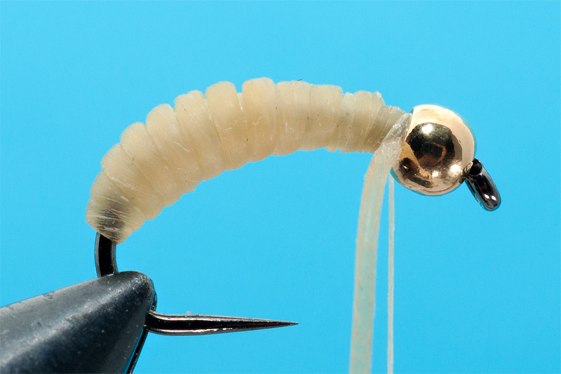 tying a catgut nymph step 4 making the body