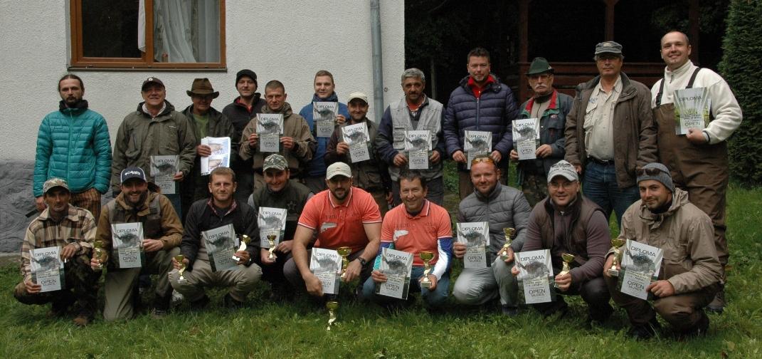 Poza grup de la concursul de pescuit la musca  Open Mures 2015